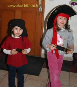 Emma et Abygaëlle en pirates