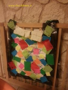 collage de carrés de couleurs... Nanie a fignolé la site tard en soirée...
