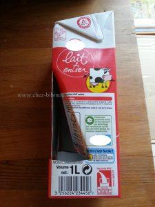 découper et plier la brique de lait (ou de jus de fruits) comme sur l'exemple