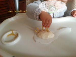 après avoir mis les 2 mains dans la pâte et trifouiller dans tous les sens, on s'apllique avec minutie !