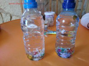 verser de l'eau et la glycérine, coller le bouchon