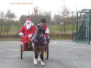 Le Père Noël est venu dire bonjour aux enfants d'Emancé !